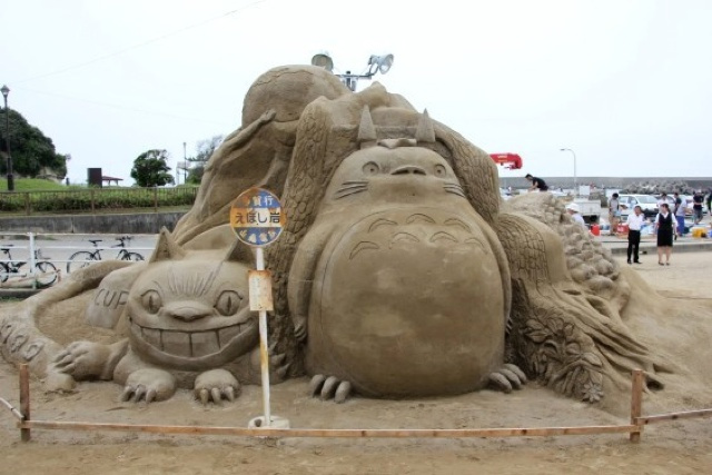 Amazing Japanese anime sand sculptures: Totoro