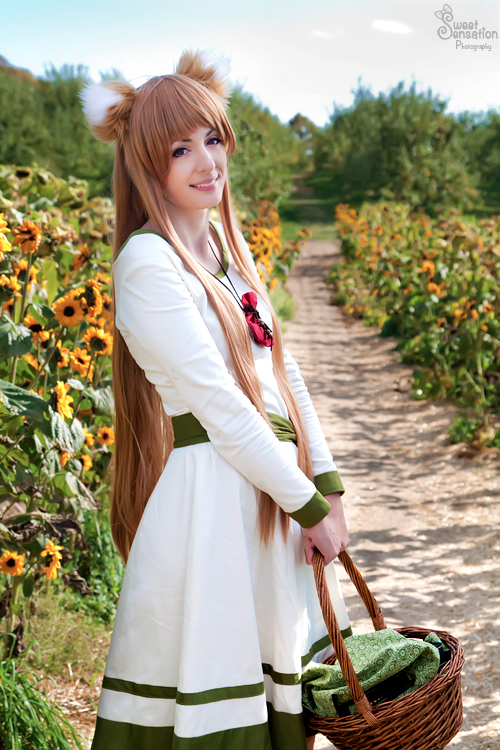 Cosplay Blog: Holo from Spice & Wolf Cosplayer: whiskeypeak  Photographer: Sweet Sensation P ...
