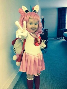 Sailor Chibi Moon cosplay (Lani Spurlock / photo : Dakota Spurlock / source : submission )