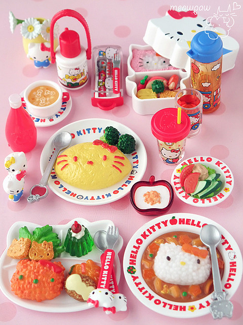 Hello Kitty yummy food miniatures