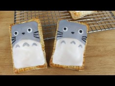 How to Make Totoro Poptarts! – YouTube