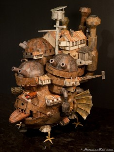 Howl's Moving Castle papercraft – Front view from the left