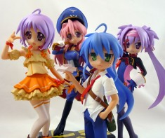 Lucky Star x Macross Frontier Cosplay Figure Set