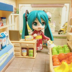 Miku the New cashier girl 😊😉