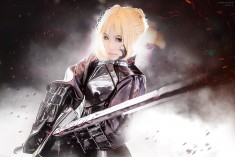 cosplay: Kay E (Nekolin Kay) as Saber of Fate/stay night