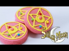 Sailor Moon Transformation Brooch Pinata Cookies!  – YouTube Video