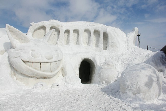 "Snow sculpture with tunnel themed after the movie ""My Neighbor Totoro"""