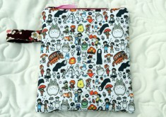 Tablet Case Studio Ghibli Inspired – llustration by Kira Schmidit.