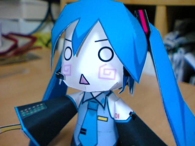10月18日、初音ミク完成(ペーパークラフト) – 日がな半日マンガとアニメ – Yahoo!ブログ