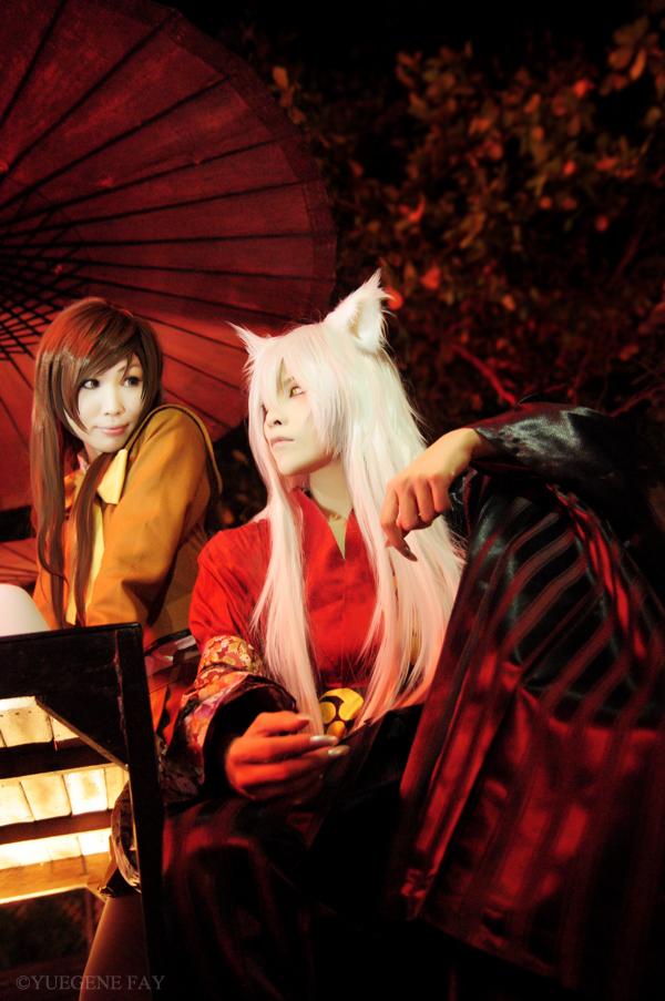 cosplay: YUEGENE as Tomoe and Yao Yamashita as Nanami Momozono of Kamisama Kiss