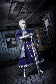 cosplay: YUI as Saber of Fate/Zero